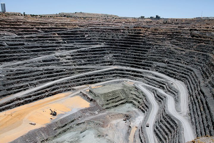 Debswana Cut 9 at Jwaneng Mines